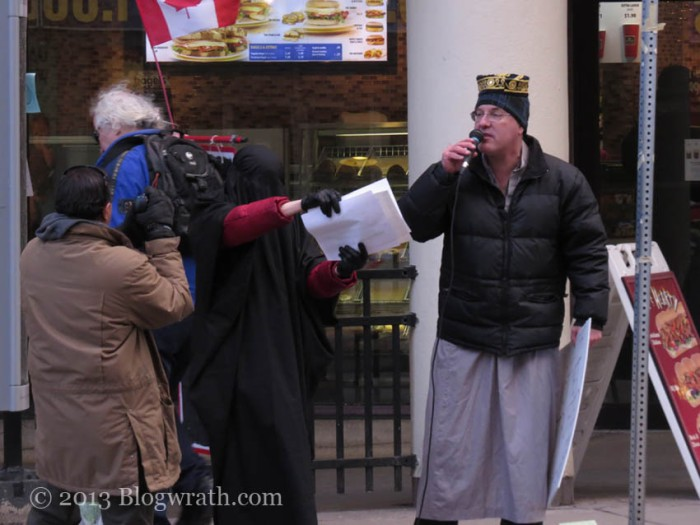 toronto-protest-against-islamic-misogyny-2