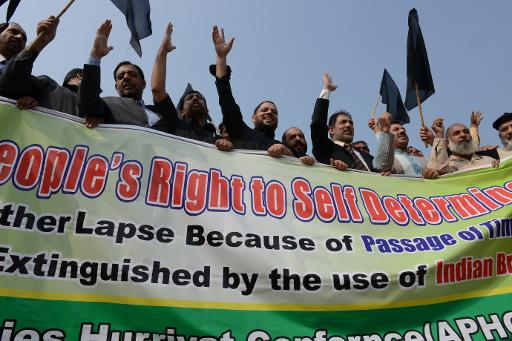 Pakistani Kashmiris protest near the United Nations office in Islamabad on October 27, 2013